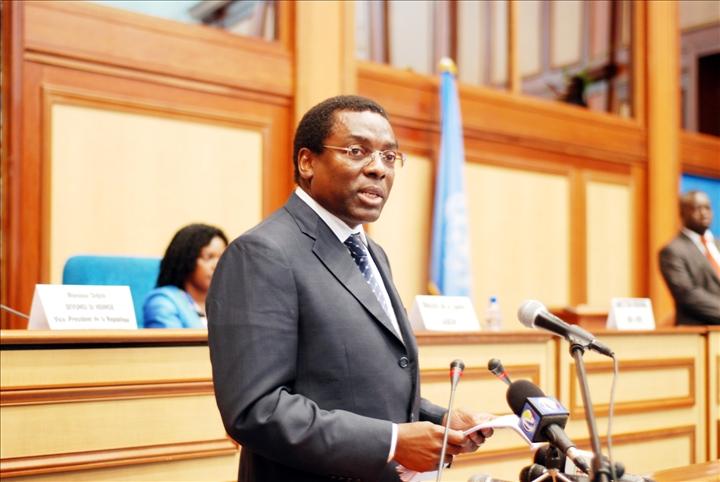 l u2019oms appelle les pays africains  u00e0 d u00e9gager plus de ressources financi u00e8res pour la couverture