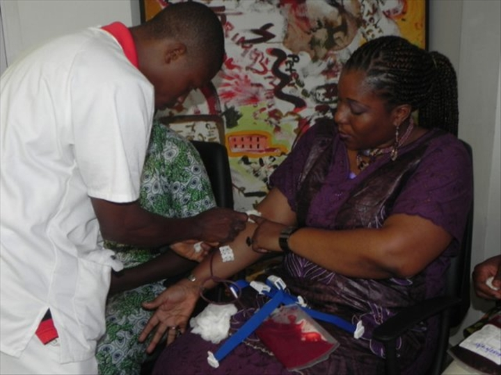 Lydia LudicBénin organise une campagne de don du sang à Parakou - Décembre 2016